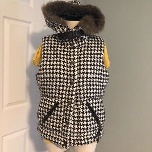 Cool houndstooth vest